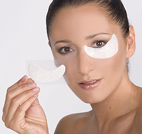 CNC Skincare  aesthetic world Hydrogel Eye Pads